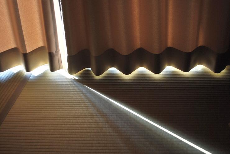 ステップ4:夜間の室内の明かりが外に漏れないように遮光