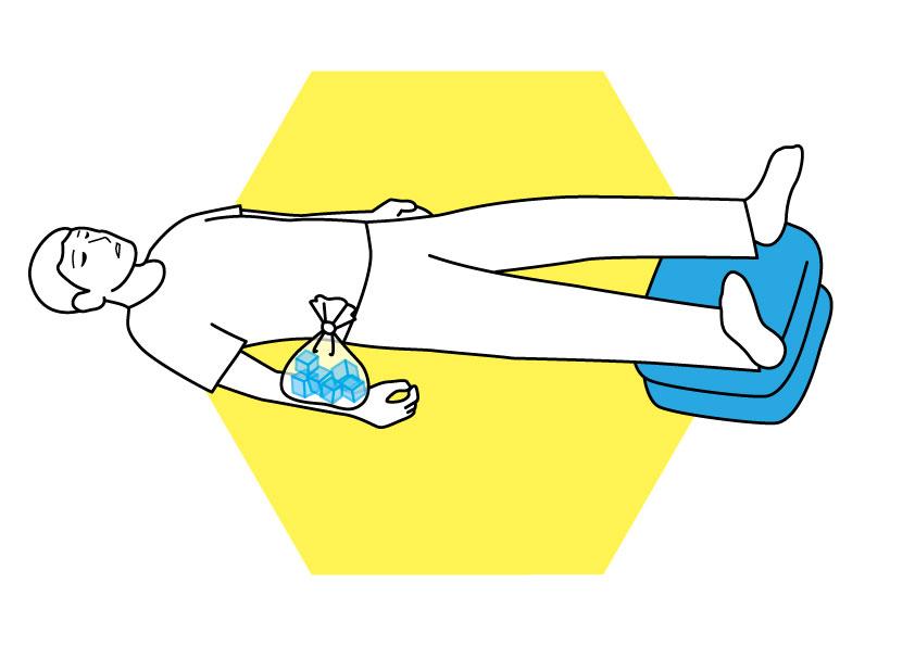 (3)刺された部位を保冷剤などで冷やす